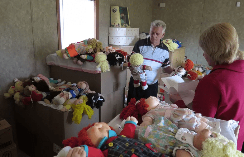 https://www.vice.com/en_us/article/5gjy8b/if-you-have-a-spare-360000-you-can-buy-the-worlds-largest-collection-of-cabbage-patch-kids-245